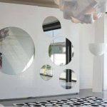 Armario de puertas correderas con espejos circulares