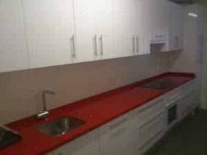 Muebles de cocina con encimera de formica en Sevilla